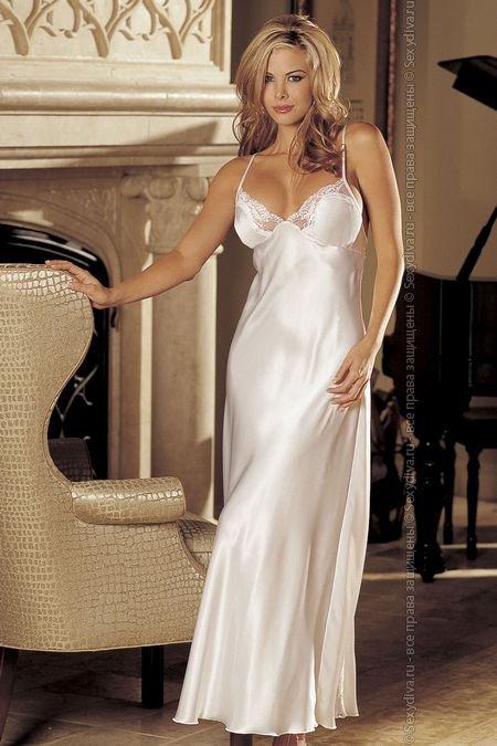 Длинная ночная сорочка из шармеза и кружева (белый)